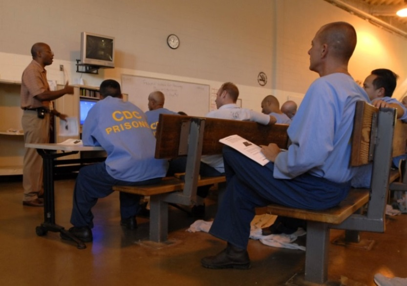 WHAT ARE SOME WAYS TO REDUCE RECIDIVISM in America